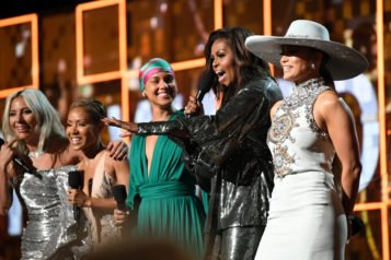 Όλο το παρασκήνιο από τα λαμπερά βραβεία Grammy 2019!